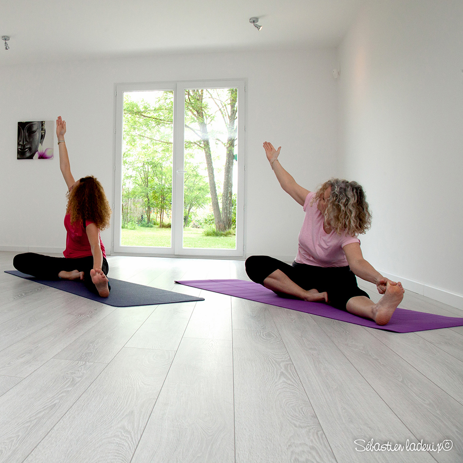 Maison du yoga perfect photos about this retreat venue u for Chambre yoga